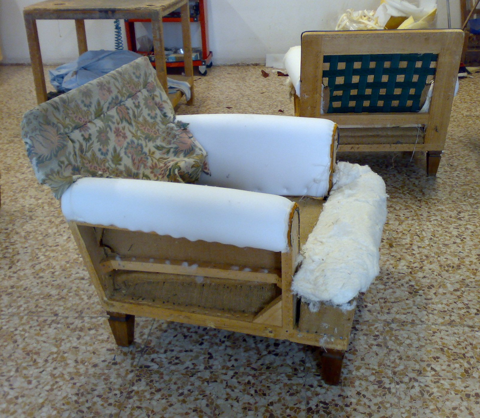 Rifacimento sedie poltrone divani restauro fusti in - Fusti divani e poltrone ...